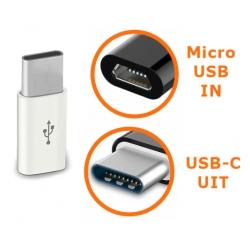 Witte connector van Micro USB naar USB-C ingang adapter verloopje