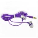 Paarse stereo koptelefoon met oordopjes met 3,5mm aansluiting om muziek of een film te luisteren op de smartphone en tablet