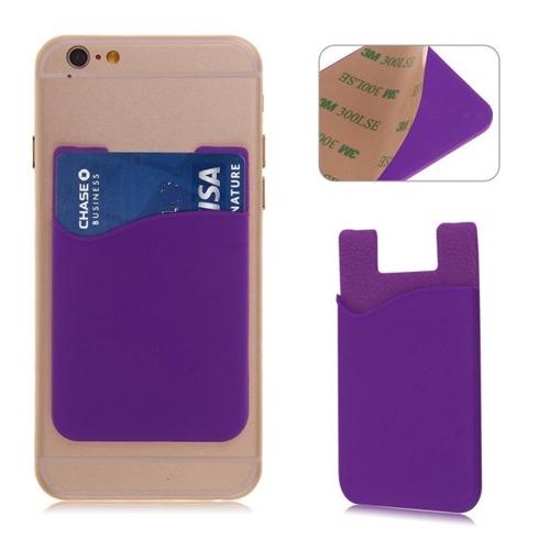 Paarse houder voor een pasje voor op de achterkant van de smartphone of telefoon
