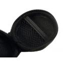 Handig doosje met netje aan de binnenkant om de headset in mee te nemen