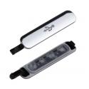 Zilverkleurig klepje voor de USB poort aan onderkant van de Samsung Galaxy S5