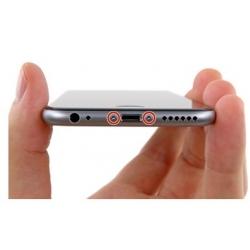 Schroefjes aan de onderkant van de iPhone 6 en 6s losmaken